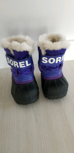 Toddler girls size 5 sorel  new