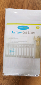 Airflow baby cot liner