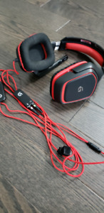 Logitech G230 Stereo Gaming Noise-cancelling Wired Headset (981-