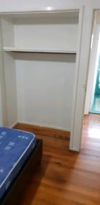 Room available for girl near craigieburn Station