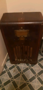 Northern Electric fine radio furniture. $80