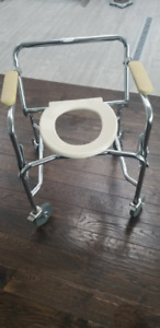 Rolling Toilet Commode Chair on wheels