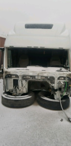 Volvo 780 cab part out.