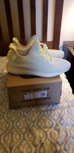 Selling Yeezy V2 Butter DS size 11