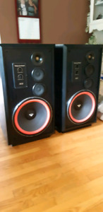 ***WANTED !!!  DEAD OR ALIVE!!! YOUR Cerwin Vega Speakers!!!***