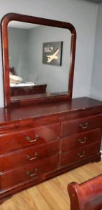 Dresser with mirror 150  no delivery