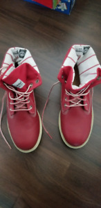Timberland Rouge 36.5 ou 4.5 presque neuf