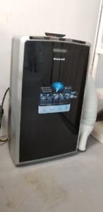 Honeywell Portable Air Conditioner (14,000 BTU)