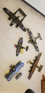 Set of model airplanes
