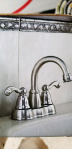 "Moen ""Traditional"" High Arc Bathroom Faucet"