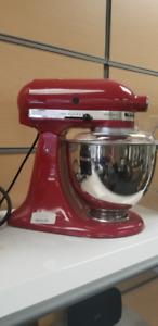 PRICE REDUCED Kitchenaid Stand up Artisan Mixer