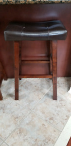 Bar Stools (Bar Height) - Excellent condition