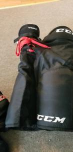 CCM RBZ JR xl hockey pants.
