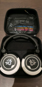 Ultrasone DJ1 Pro DJ Headphones over ear mint condition!