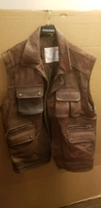 Men Leather Vest (brown color size XXL)