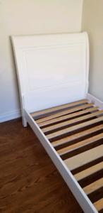 Twin Bdxroom Set (Bed, 4 drawer dresser, Side Table)