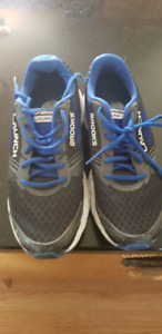 Size 8 Mens Sneakers
