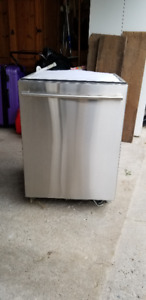 LG Stainless Steel Dishwasher needs new motor excel condition