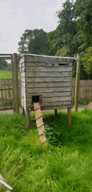 2 x 2nd Hand hen houses in good condition.