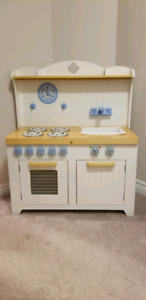 Guidecraft Hideaway Country Play Kitchen