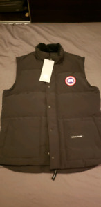 Canada Goose Vest - Black - size Large (never been worn before)