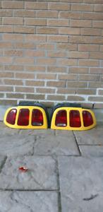 Lumières tail et headlight pour mustang 1994 à 1998.