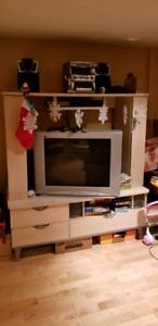 Téléviseur et meuble télé à donner