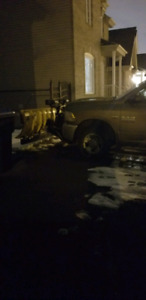 On cherche Chauffeur pickup avec pelle à neigei