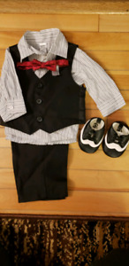 Baby boy Christmas suit / outfit (size 0-3 months)