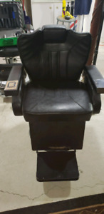 BARBER CHAIR FOR SALE.    (RECLINES & PUMPS UP/DOWN PERFECTLY)!