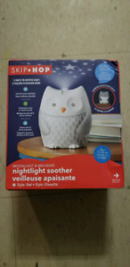 Skip Hop Moonlight & Melodies Crib Soother and Baby Night Light,