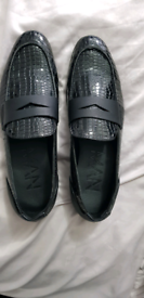 New in Box Boohoo Mens black loafers Shoes size 11