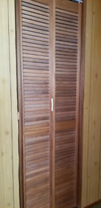 Louvered bi fold door, frame and track.