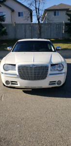 MINT Chrysler 300 Limited Edition