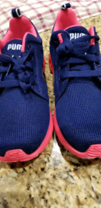 BNNT ladies Puma running shoes, size 7.5