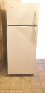 """Apartment size electric fridge , Roper , 23. 5""""wide , for sale."""