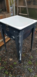 "Metal Utility Sink and Stand ""ESTATE LUQUIDATION"""