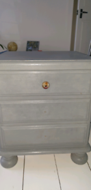 Bedside table/drawers
