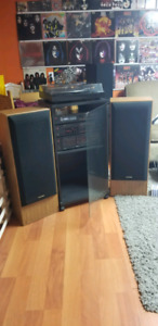 Philips Stereo Components Low-Fi  w/Pioneer Speakers