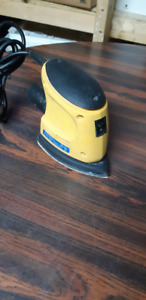 ELECTRIC DETAIL SANDER IN GOOD CONDITION .