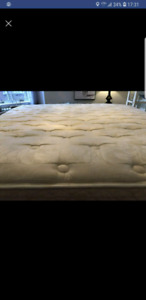 King size mattress,like new