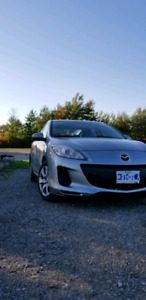 2013 Mazda 3 GX 5-speed Manual. Low Km!