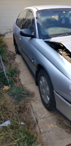 2001 Holden Commodore VX executive for wrecking