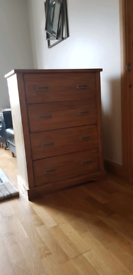 Solid wood dresser/chest of drawers