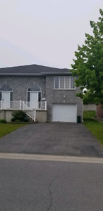 3 bedroom All inclusive 176 Briceland St