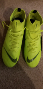 NIKE superfly360 brand new.