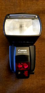 Like New Canon Speedlite 580EX II Flash for Canon DLSR