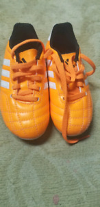 Adidas soccer shoes ( brand new)
