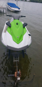 2016 Yamaha Waverunner with LOW hours w trailer