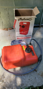 3 gal fuel tank with fuel line